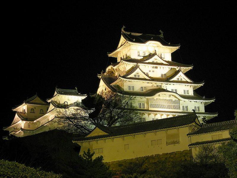 himeji castle en la noche