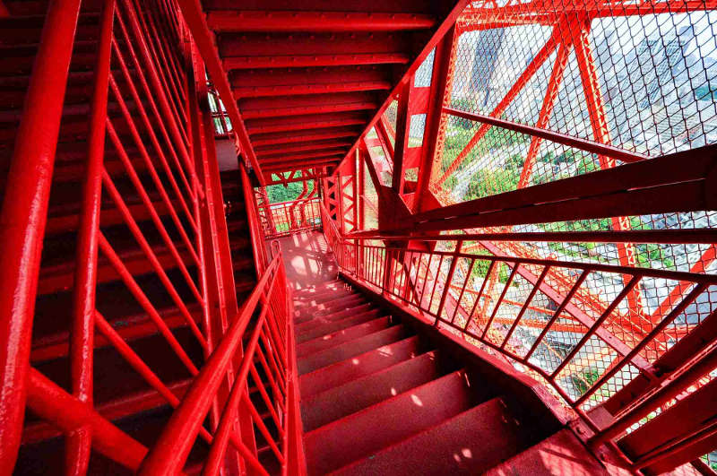 tokyo tower stairs
